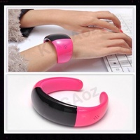 HOT PINK 2014 GENUINE BLUETOOTH SMART BRACELET MOBILE PHONE WATCH OLED CALLER ID